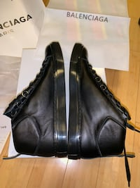 Balenciaga size 9 in men   Lanham, 20706