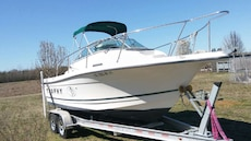 21 feet 2000 bayliner broad moter  with 2012 trail