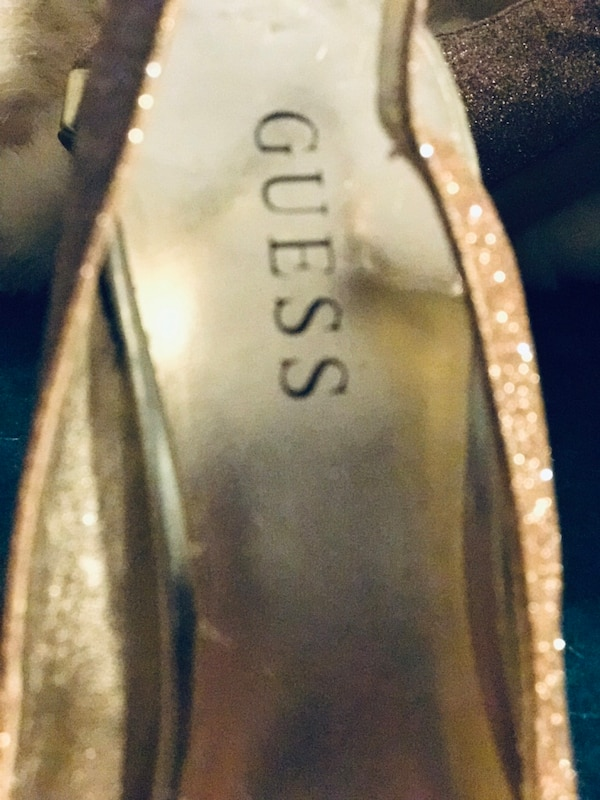 GUESS SIZE 6 sling back Heels. 2