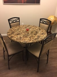 Dining table n 4 chairs Charlotte, 28273