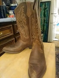 Women size 9 cowboy boots Houston, 77076