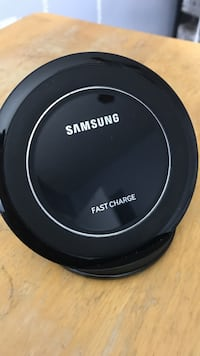 Black samsung fast charge wireless charging pad District Heights, 20747