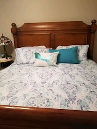 Broyhill Cherry king size bed  Ocala, 34476