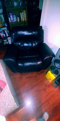 Leather Chair  Coquitlam, V3J 1S8