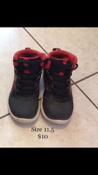 Boys Reebok Kids Basketball Shoes size 11.5 Mississauga, L5W