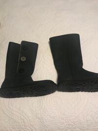 Pair of black ugg boots High Point