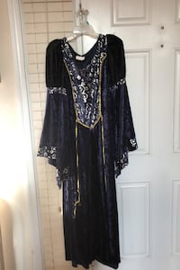 Halloween Medieval Dress only worn once almost new ready for pickup Stafford, 22554