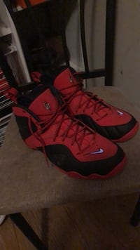 red-and-black Nike basketball shoes Middletown, 21769