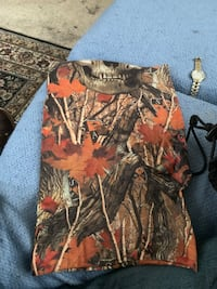 Brown and black realtree camouflage jacket Akron, 48311