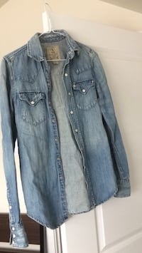 Ralp Lauren jeans women's shirt like new condition size S/XS Vancouver, V5S 3R1