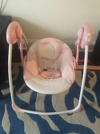 baby's white and pink swing chair New York, 11373