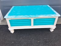 Seaside/off white Storage chest/coffee table Adamstown, 21710