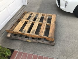 Free pallets, 2 about 3ft x 4ft