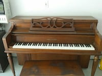 brown spinet piano with bench Chesapeake, 23325