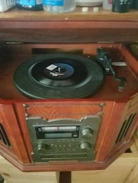 Retro STEREO SYSTEM.  Has record player on top Herndon, 20171