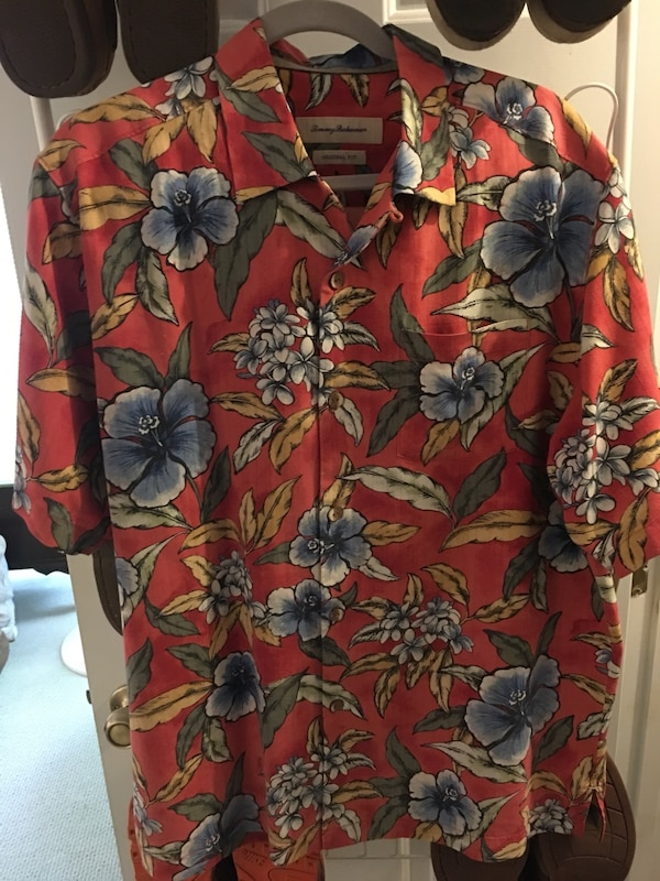 8a1fecbb Used Tommy Bahama Hawaiian shirt L for sale in Roswell - letgo