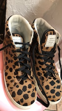 Pair of brown-and-black leopard print sneakers used only once  Toronto, M4H 1C4