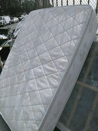 quilted white and gray floral mattress Los Angeles, 90031