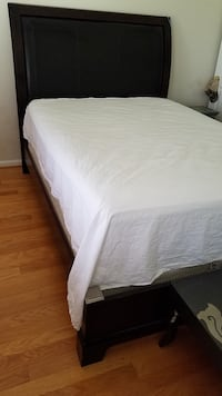 white bed mattress with white bed frame Arlington, 22205