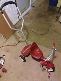 red and white Radio Flyer trike Fort Washington, 20744