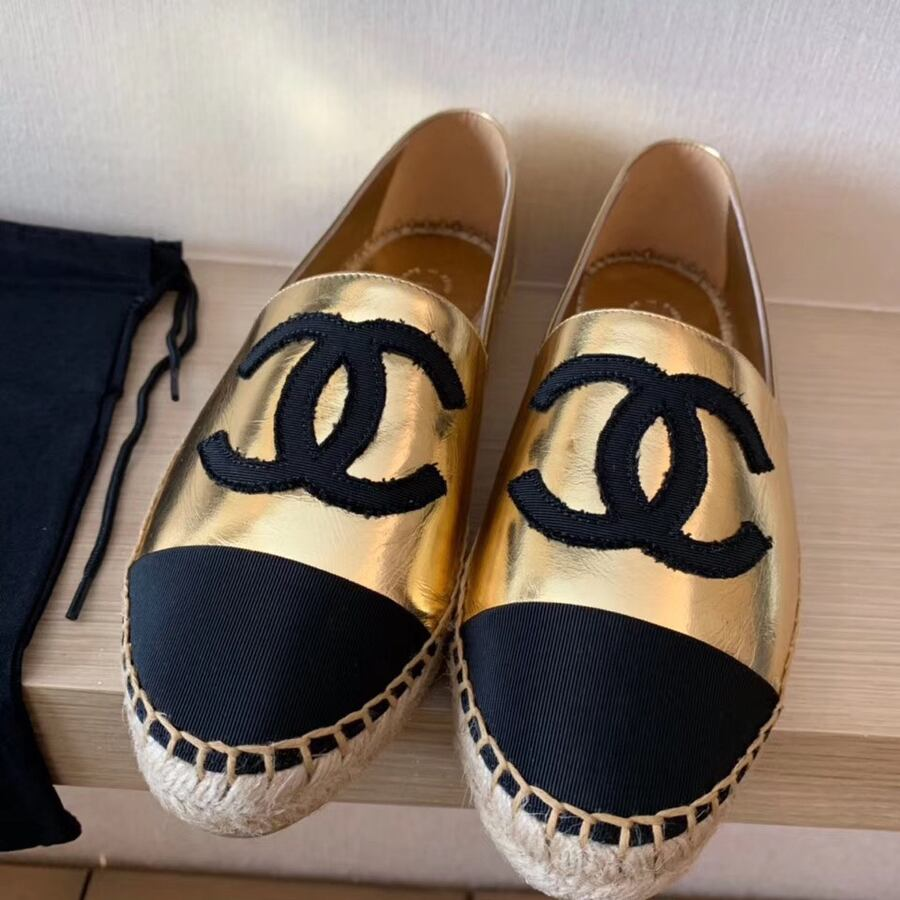 Chanel flats size 36