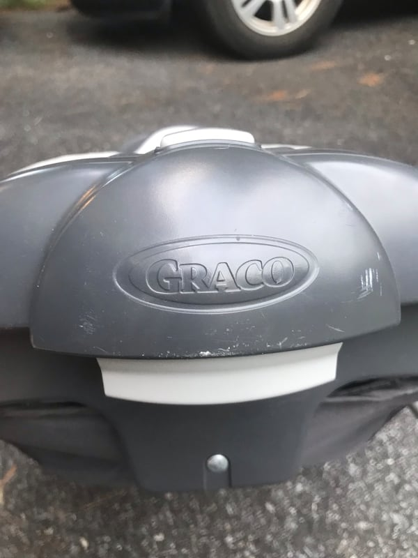 Graco sleeper/changing surface d123a857-1fd1-4f13-b58a-fc99139c9027