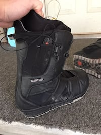 Size 11 burton snowboard boots  Kingston, 12466