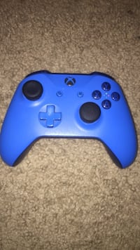 blue Xbox One game controller Waterloo, N2L 5E3