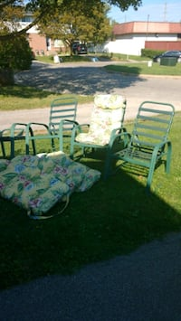 Aluminum Patio Chairs & Cushions