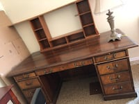 Brown wooden desk with lamp  Bryans Road, 20616