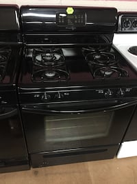 Frigidaire black gas stove  Woodbridge, 22191