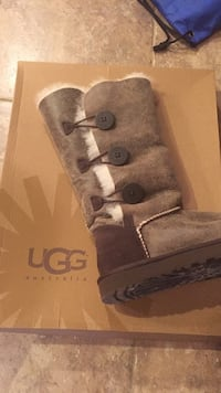 Ugg Boots  Calgary, T3R