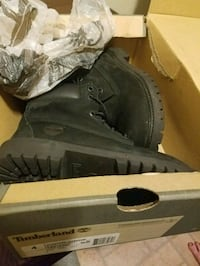Timberlands only worn3 times size 4 Junior 6 women