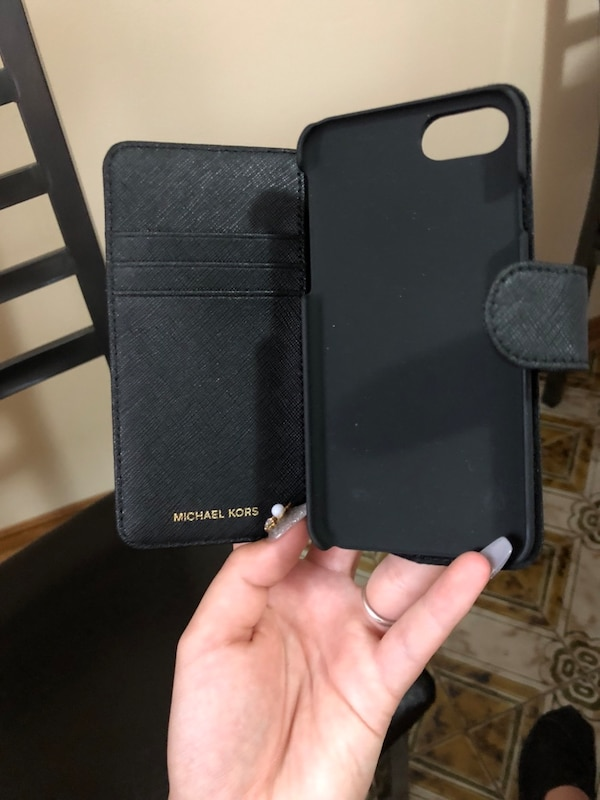 415276bea762ec Used Michael Kors wallet phone case. Fits iPhone 7 and 8 for sale in  Mississauga - letgo