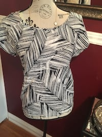 Vero moda ladies top blouse size small Oakville, L6H 1Y4