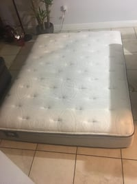 Queen mattress Miami, 33182