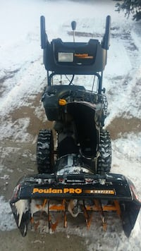 how to start a poulan snowblower