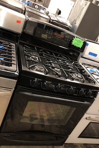 GE gas stove and electric oven excellent conditions  Bowie, 20715
