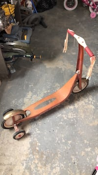 Retro radio flyer scooter - make me a offer Courtice, L1E 2G1
