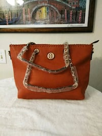 red and brown leather tote bag Miami, 33155