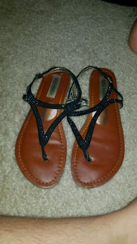 pair of brown-and-black leather sandals Fredericksburg, 22407