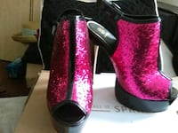 Hot pink and black patent peeptoe stiletto Philadelphia, 19111