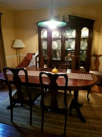 Cherry Wood Dining Table with Hutch  Manassas, 20109