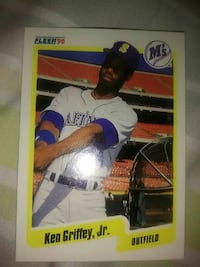 Fleer 90 Ken Griffey Outfield trading card