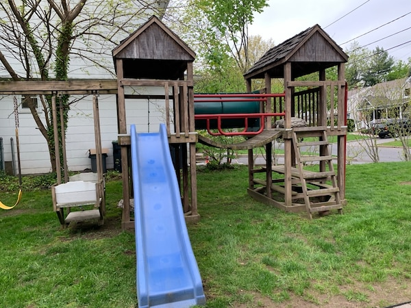 Jungle Gym For Sale >> Used Playground Jungle Gym Swingset And Slide For Sale In Teaneck