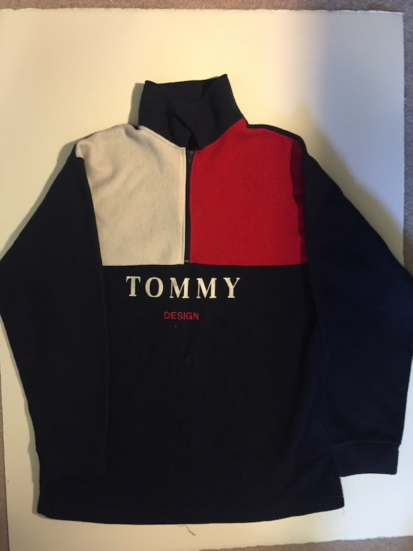 Bootleg Tommy Hilfiger sweater