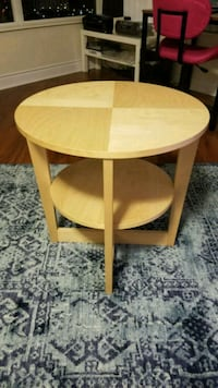 Round side table Toronto, M2N 7L4