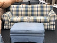 Plaid couch with large ottoman Glen Ellyn, 60137