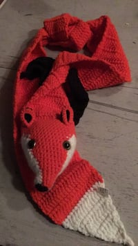 New fox scarf. fits youth to adult ( long) Cambridge, N3C 4K7