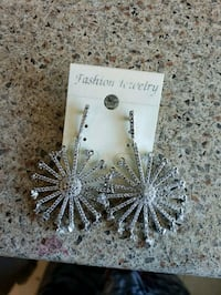 pair of silver-colored hook earrings Mississauga, L4X 1S9